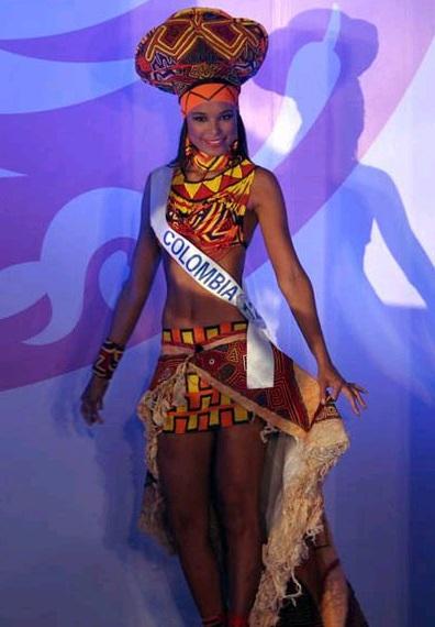 Phần trình diễn trang phục dân tộc đầy màu sắc - 26