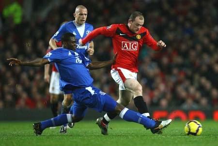 Đè bẹp Everton, MU tiếp tục bám sát Chelsea - 2