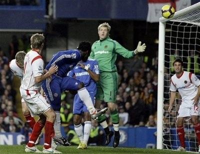Chelsea thắng giòn giã, Arsenal gục ngã dưới tay Sunderland - 2