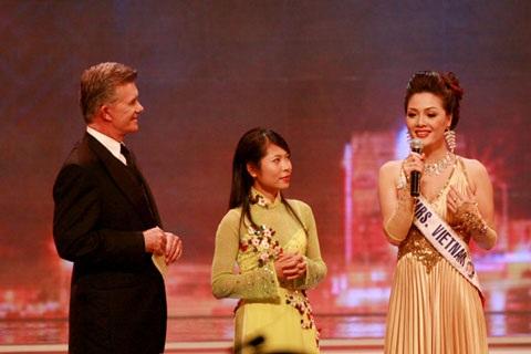 Người đẹp Nga đăng quang Hoa hậu quý bà Thế giới 2009 - 4
