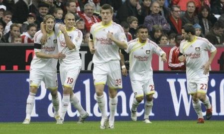 Hàng công vô duyên, Bayern bị chia điểm cùng Leverkusen - 2