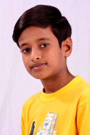 Cậu bé nghèo Bangladesh mơ trở thành siêu sao nhạc pop - 1
