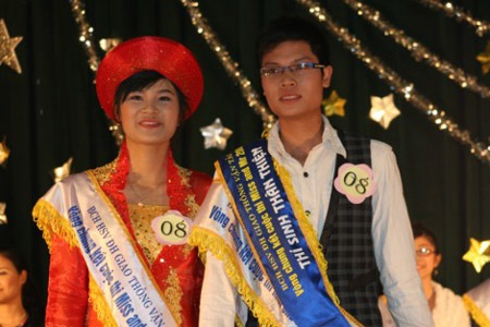 Hai gương mặt sinh viên Giao thông thanh lịch nhất 2009 - 3