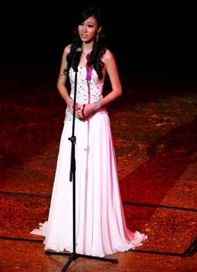 Hai người đẹp cùng giành ngôi Hoa hậu tài năng - 14