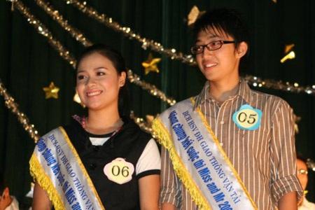 Hai gương mặt sinh viên Giao thông thanh lịch nhất 2009 - 4