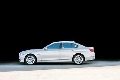 Ra mắt BMW 5-series phiên bản mới - 2