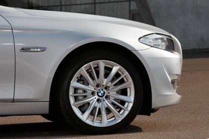 Ra mắt BMW 5-series phiên bản mới - 8