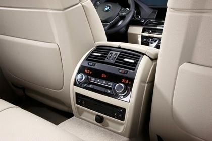 Ra mắt BMW 5-series phiên bản mới - 12