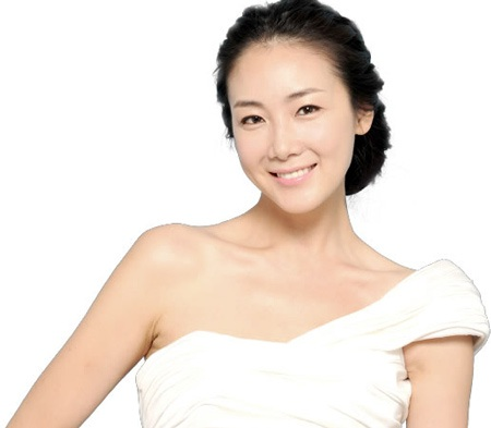 """Choi Ji Woo vẫn đắt """"sô"""" quảng cáo mỹ phẩm - 1"""