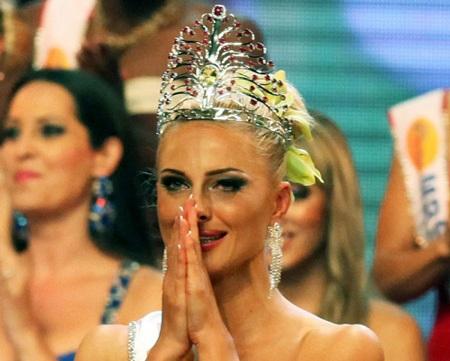 Tân hoa hậu quý bà từng tham dự nhiều cuộc thi sắc đẹp - 8