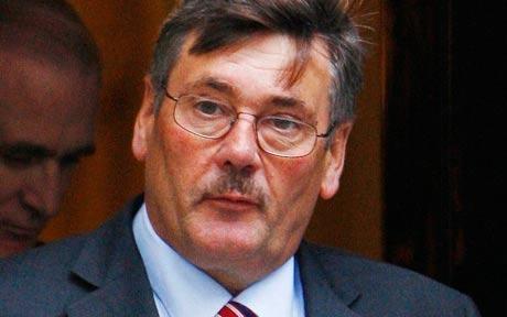Bộ trưởng Quốc phòng Anh chỉ trích Tổng thống Mỹ - 1