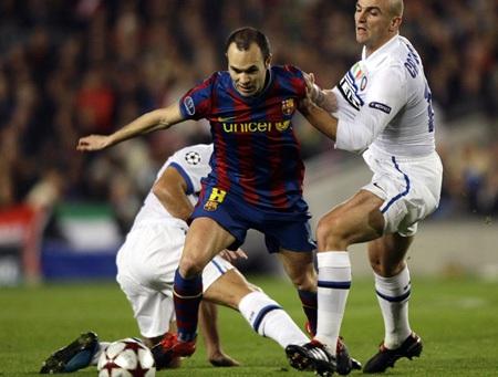 Hạ gục Inter Milan, Barcelona lên ngôi đầu bảng - 2