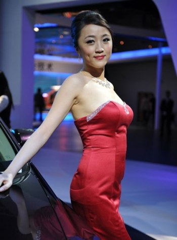 Mẫu nữ trên sàn Triển lãm ô tô Quảng Châu - 2