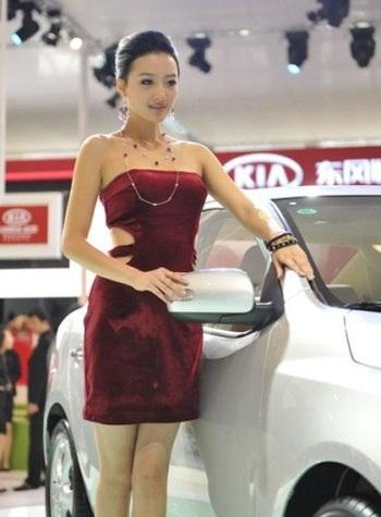 Mẫu nữ trên sàn Triển lãm ô tô Quảng Châu - 9