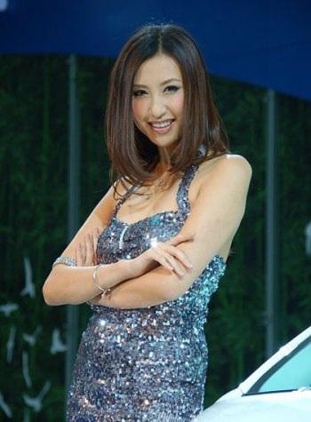 Mẫu nữ trên sàn Triển lãm ô tô Quảng Châu - 14