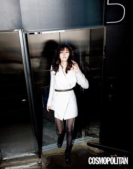 """Vẻ đẹp ngọt ngào và sexy của """"búp bê"""" Sung Yu Ri - 2"""