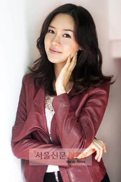 """Vẻ đẹp ngọt ngào và sexy của """"búp bê"""" Sung Yu Ri - 17"""