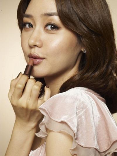 """Vẻ đẹp ngọt ngào và sexy của """"búp bê"""" Sung Yu Ri - 18"""