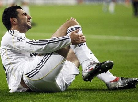Real Madrid khủng hoảng hàng thủ trước trận gặp Barca - 1
