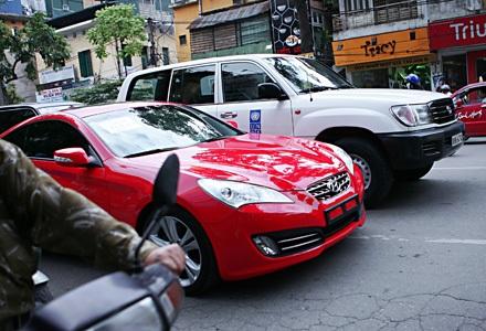 Thị trường tiếp nhận thêm khoảng 9.000 xe ngoại nhập - 1