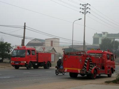 Chập điện, cây xăng bốc cháy - 2