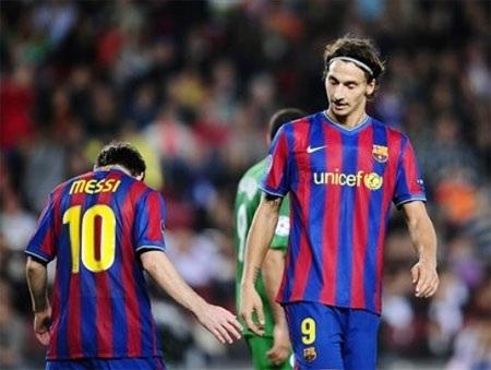 Messi, Ibra chạy đua với thời gian để kịp tái xuất - 1