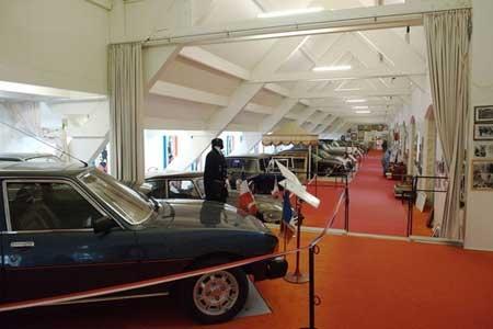 Thăm bảo tàng ô tô tổng thống ở Pháp - 4