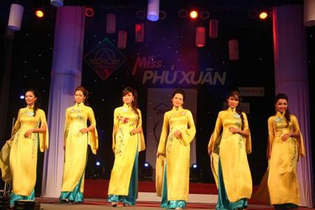 Hoa khôi ĐH Phú Xuân lộ diện - 7