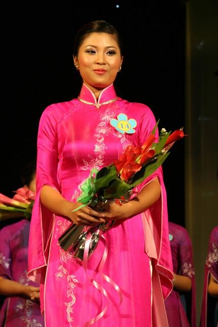 Hoa khôi ĐH Phú Xuân lộ diện - 22