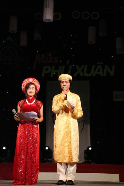 Hoa khôi ĐH Phú Xuân lộ diện - 8