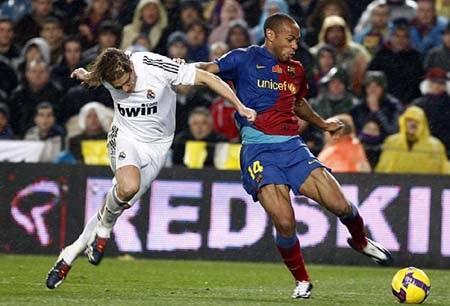 """Pellegrini """"tổng tấn công"""", Guardiola quyết thắng - 2"""