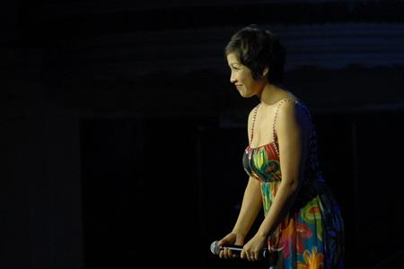 """Thái Thuỳ Linh """"diễn"""" pha tình cảm trong đêm nhạc Trịnh - 5"""