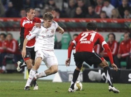 Bayern đại thắng, Leverkusen giành lại ngôi đầu - 2