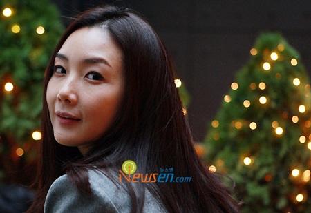 """Phong cách thời trang của """"người đẹp khóc"""" Choi Ji Woo - 8"""