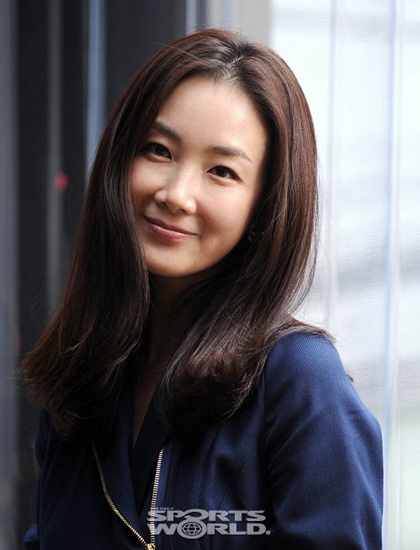 """Phong cách thời trang của """"người đẹp khóc"""" Choi Ji Woo - 5"""
