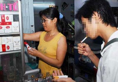 Từ 1/1/2010, hút thuốc lá nơi công cộng sẽ bị xử phạt  - 1