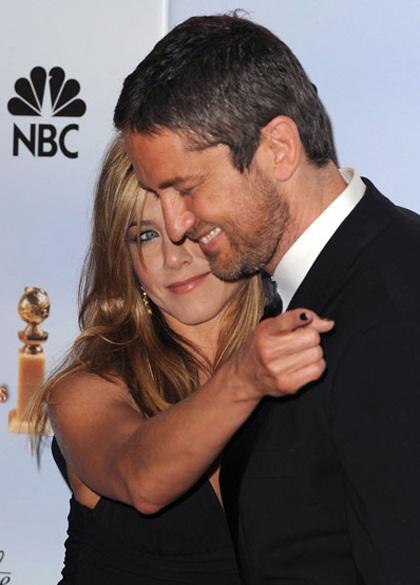 Jennifer Aniston khoe chân siêu đẹp tại lễ trao giải Quả Cầu Vàng - 4