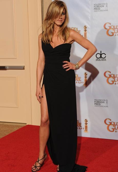 Jennifer Aniston khoe chân siêu đẹp tại lễ trao giải Quả Cầu Vàng - 3