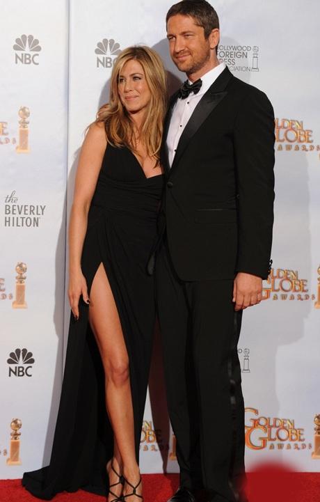 Jennifer Aniston khoe chân siêu đẹp tại lễ trao giải Quả Cầu Vàng - 9