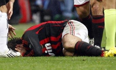 Milan âu lo vì Pato dính chấn thương - 1