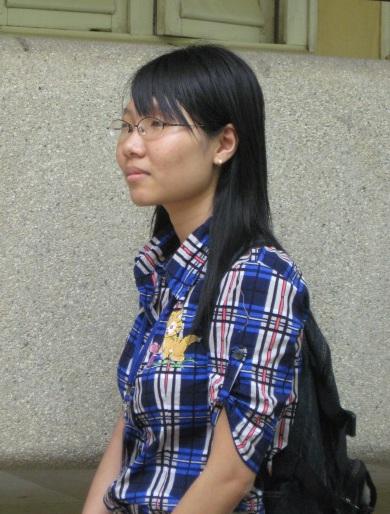 Cô sinh viên khiếm thị tìm ánh sáng trên giảng đường - 1