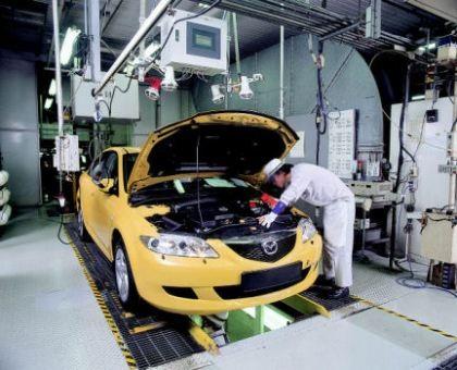 Mazda lắp hệ thống ngắt động cơ cho xe mới - 1
