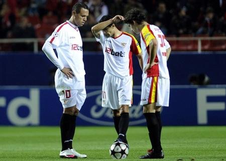 Sevilla khiến bóng đá TBN muối mặt tại Champions League - 3
