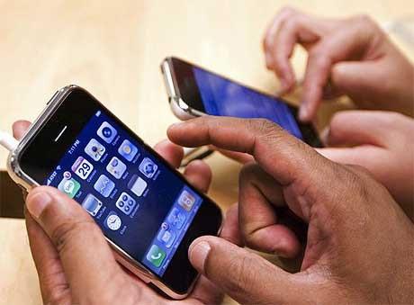 """Chính thức bùng nổ """"cuộc chiến"""" phân phối iPhone - 1"""