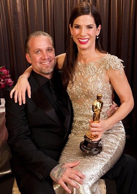 """Chồng Sandra Bullock bị """"tố"""" ngoại tình - 4"""