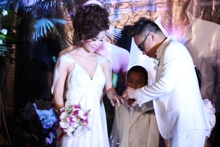 Ca sĩ Tô Minh Thắng cưới chị họ của Vũ Thu Phương - 6