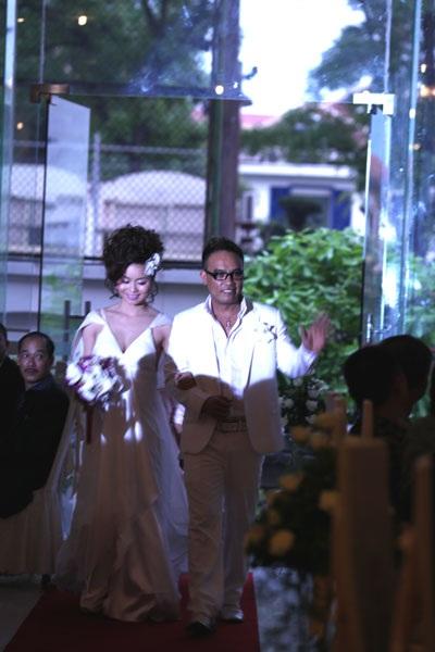 Ca sĩ Tô Minh Thắng cưới chị họ của Vũ Thu Phương - 4