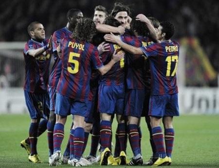 """Thế giới """"ngả mũ"""" trước Messi và Barcelona - 2"""