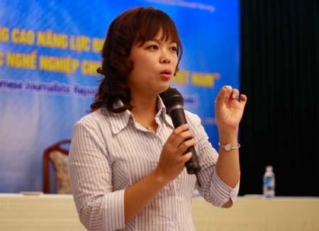 Nhà báo Thu Uyên tiết lộ kinh nghiệm với SV báo chí  - 3