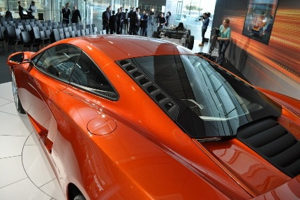 Siêu xe McLaren MP4-C12 chính thức ra mắt - 2